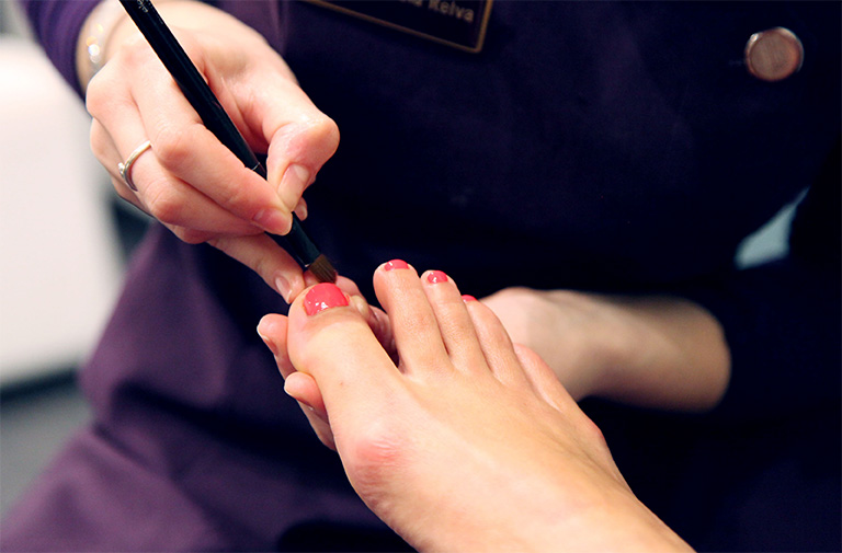 Learn How to Manicure & Pedicure